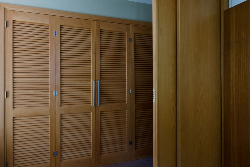 WARDROBE – SLIDING DOOR